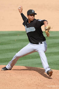 leo-nunez-46-2009-mlb-florida-marlins.jpg