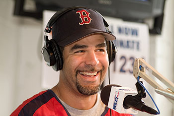 mike-lowell-on-rt.jpg